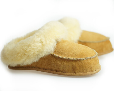 Womens Sheepskin Shearling Slippers Moccasin Boots for Women House Sheepskin Slippers Handmade Shoes 100% Wool Slippers ugg style Best emu style