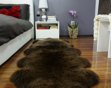 "GIANT SHEEPSKIN Double XXL Brown Throw Genuine leather Sheep Skin 79 ""x 32"" Decorative rug Natural comfy,cozy, hair is very thick, shiny !"