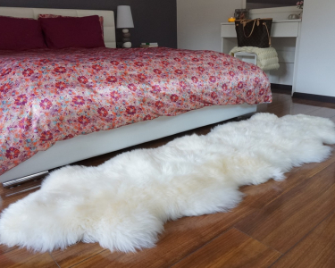 "GIANT SHEEPSKIN Double XXL White Throw Genuine leather Sheep Skin 79"" x 30"" Decorative rug Natural comfy,cozy, hair is very thick, shiny !"